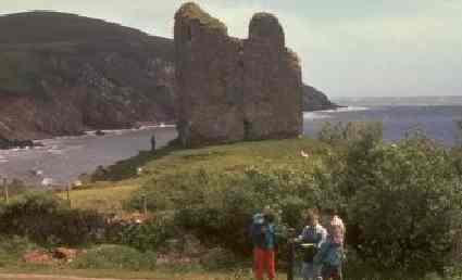 6 night walking the dingle way in county Kerry Tralee to dingle Ireland. walking in Ireland. the dingle way Minard castle in county Kerry, Ireland